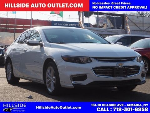 Pre-Owned 2017 Chevrolet Malibu LT FWD 4D Sedan