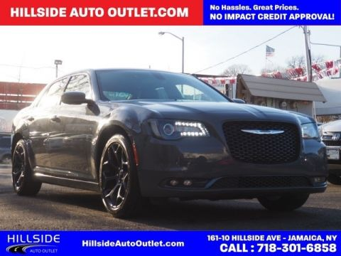Pre-Owned 2019 Chrysler 300 S RWD 4D Sedan